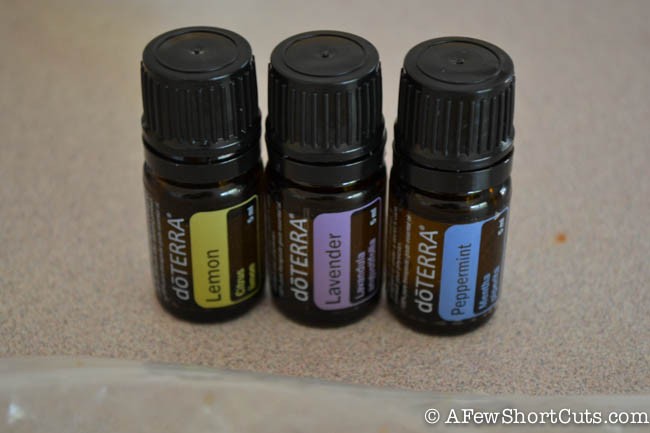 There are so many scented wax melts that are full of chemicals. Learn how to make your own scented wax melts with natural ingredients.
