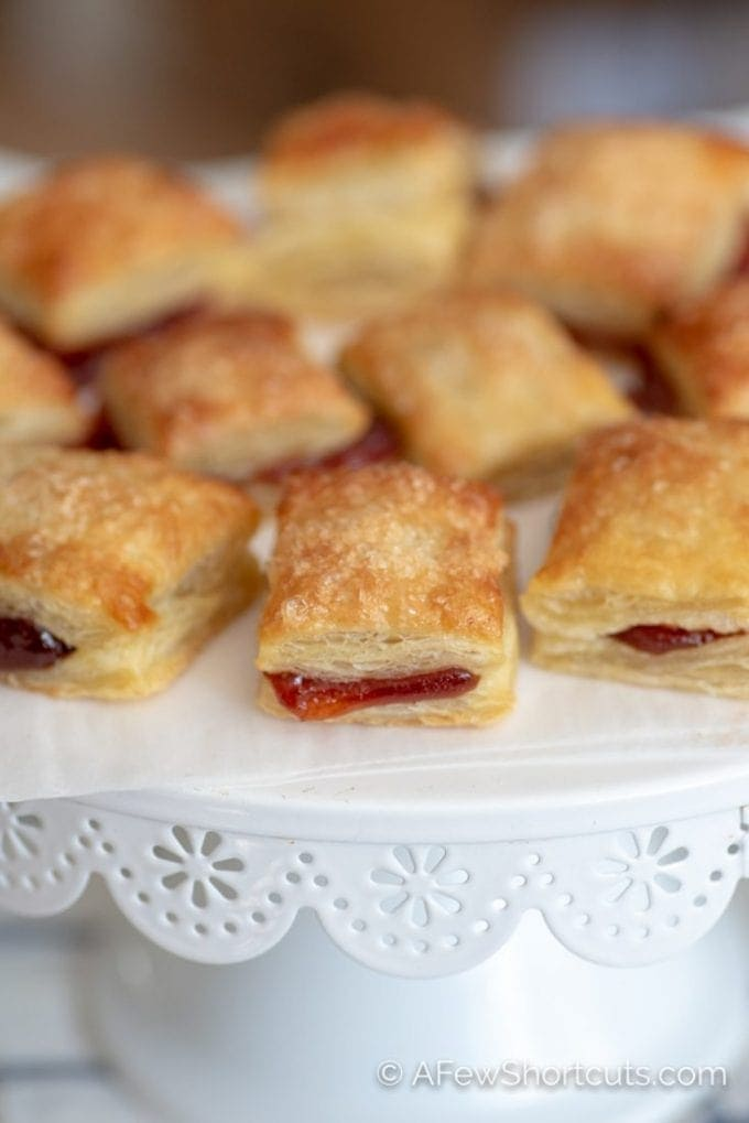 The easiest and best Pastilitos recipe around! You have to taste just how delicious these Easy Guava Pastries are to make. The best with a cup of coffee! | @AFewShortcuts #recipes #dessert #breakfast #cuban #pastries #guava