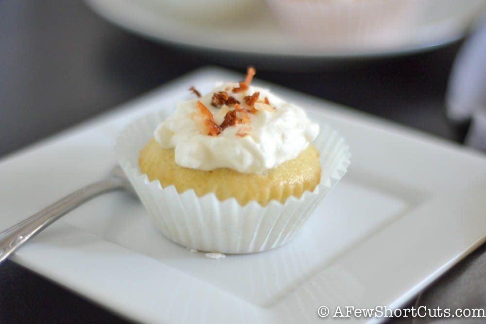 A mini version of the traditional hispanic cake that everyone goes nuts for! Try this easy and delicious Tres Leches Cupcakes Recipe