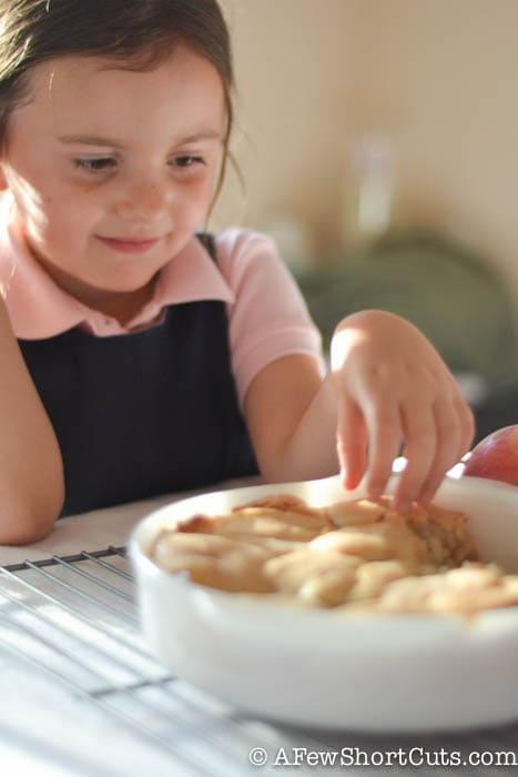 Easy Apple Pie Snickerdoodle Bars-8