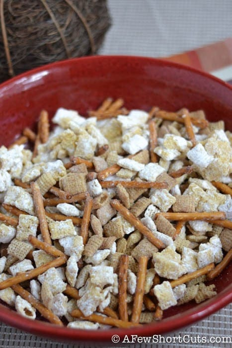 Are you in the mood for pumpkin everything? Check out this yummy Pumpkin Pie Chex Mix Recipe!