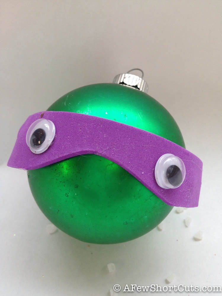 These are fun for your TMNT fan! Make these DIY Teenage Mutant Ninja Turtles Ornaments with your kids this holiday season!