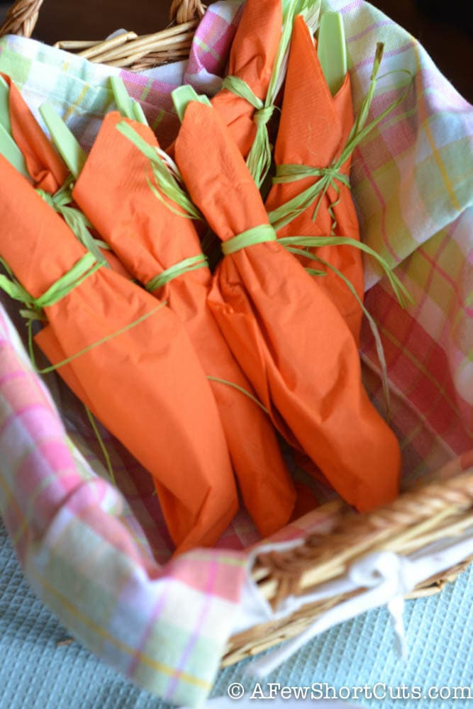 Great for Easter or Spring. Check out this Carrot Table Settings