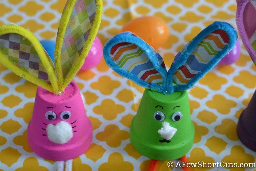 This is a fun colorful spring craft for the kids! Grab a few supplies and check out these Easy Flower Pot Bunnies Kids Craft.