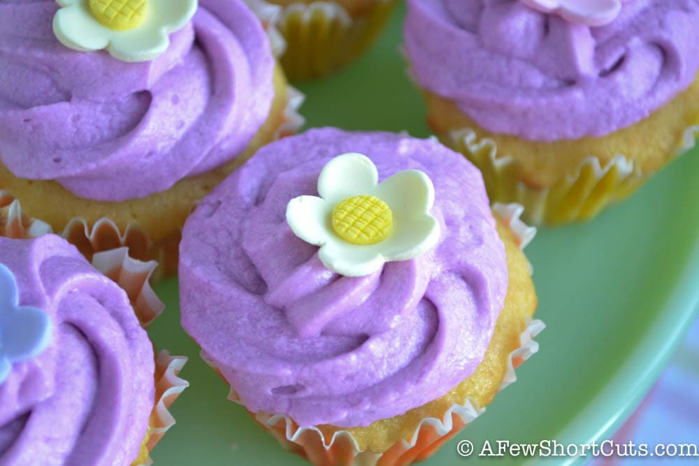 Lemon Cupcakes With Lavender Buttercream Frosting - A Few ...