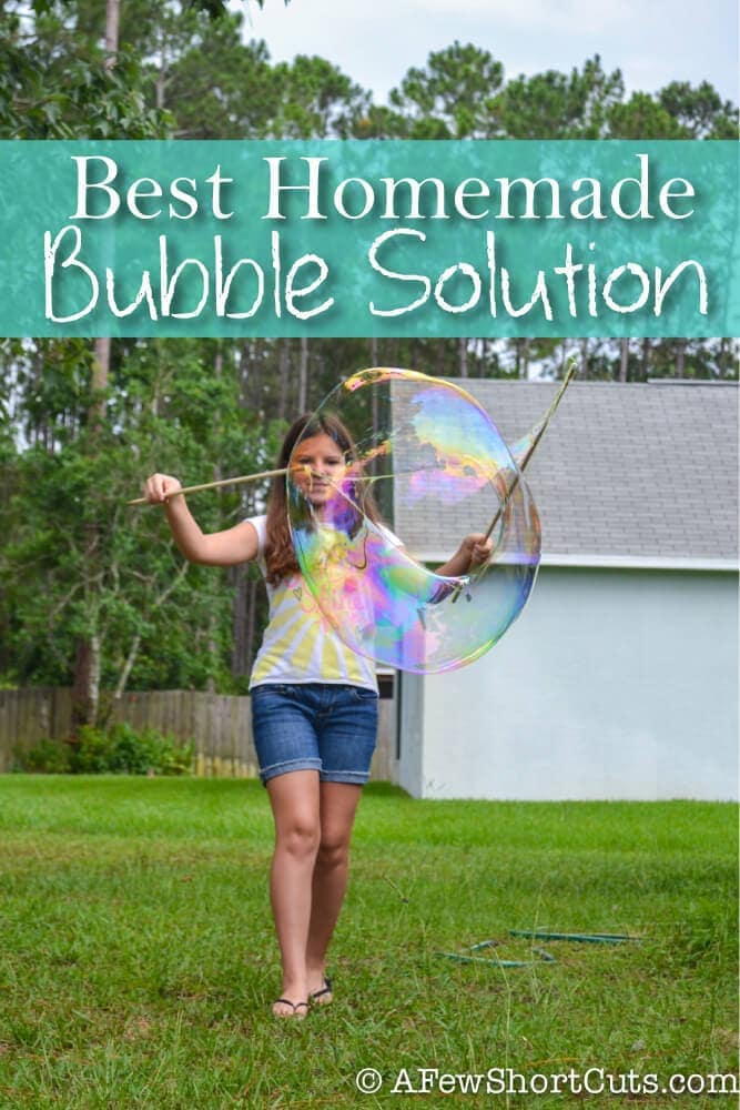Learn how to make the BEST Homemade Bubble Solution EVER! #diy #homemade