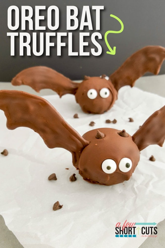 A Halloween party must have! Check out this easy Oreo Bat Truffles recipe and learn how to make them yourself in just a few easy steps!
