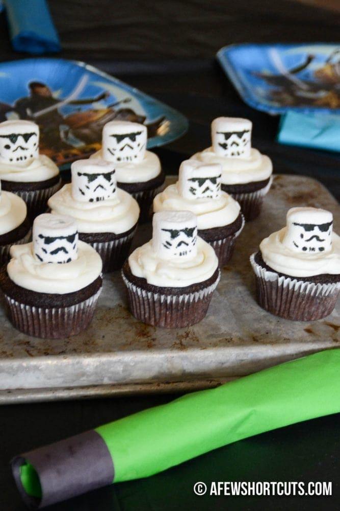 StormTrooper Cupcakes-2