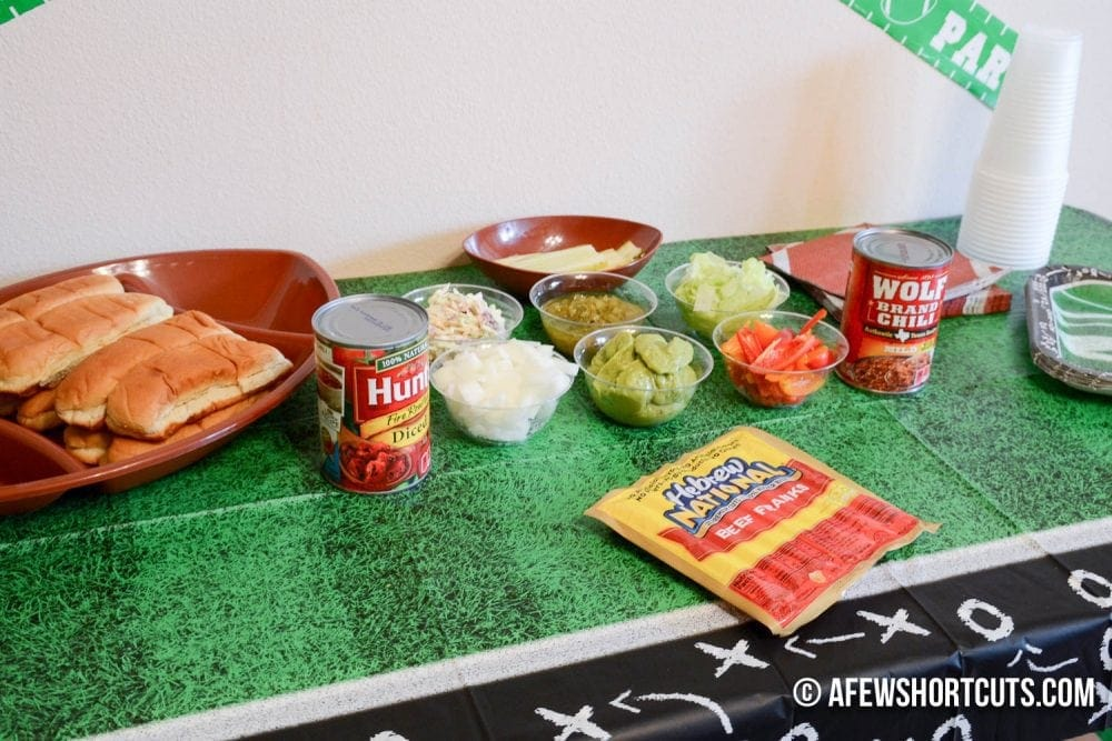 Tailgate at home and wow everyone! Learn how to make a Hot Dog Bar! #Homegating @conagrafoods