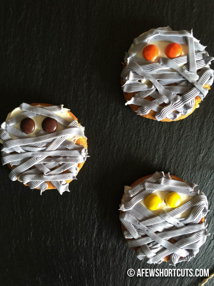 Have fun this Halloween and decorate your favorite cookies to look like Mummy's! Check out this super simple Mummy Cookies Recipe!