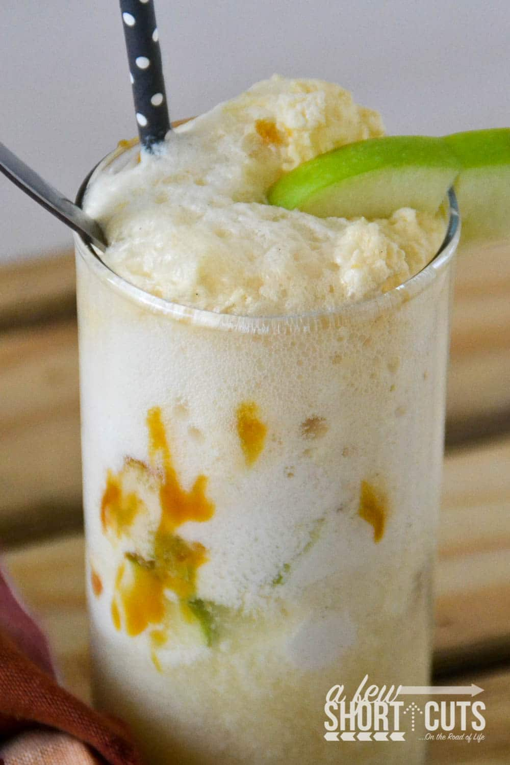 Float Recipe is so simple! It tastes like Apple Pie A-La-Mode in a cup! Sinfully delicious!