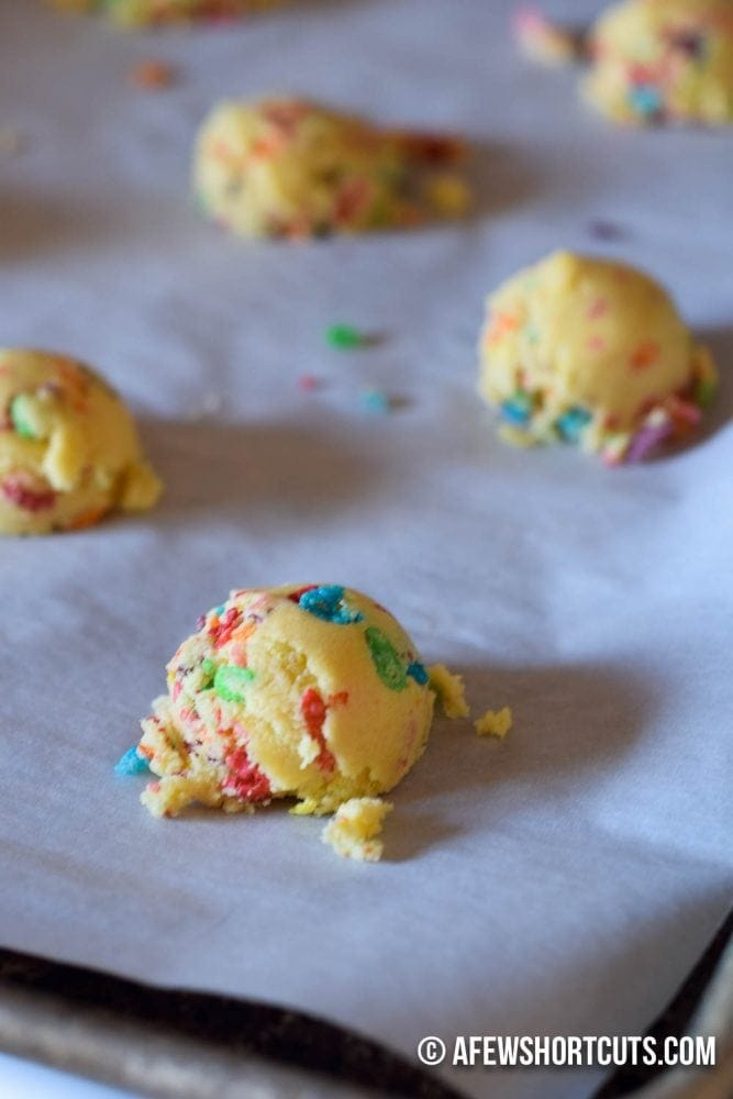 These could possibly be some of the best cookies I have ever eaten! Check out this Fruity Pebbles Cookies Recipe