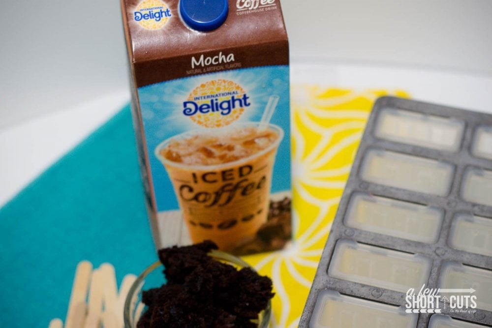 Don't miss out on this delicious treat this Summer! You can't get much easier than this Brownie Mocha Popsicle Recipe!