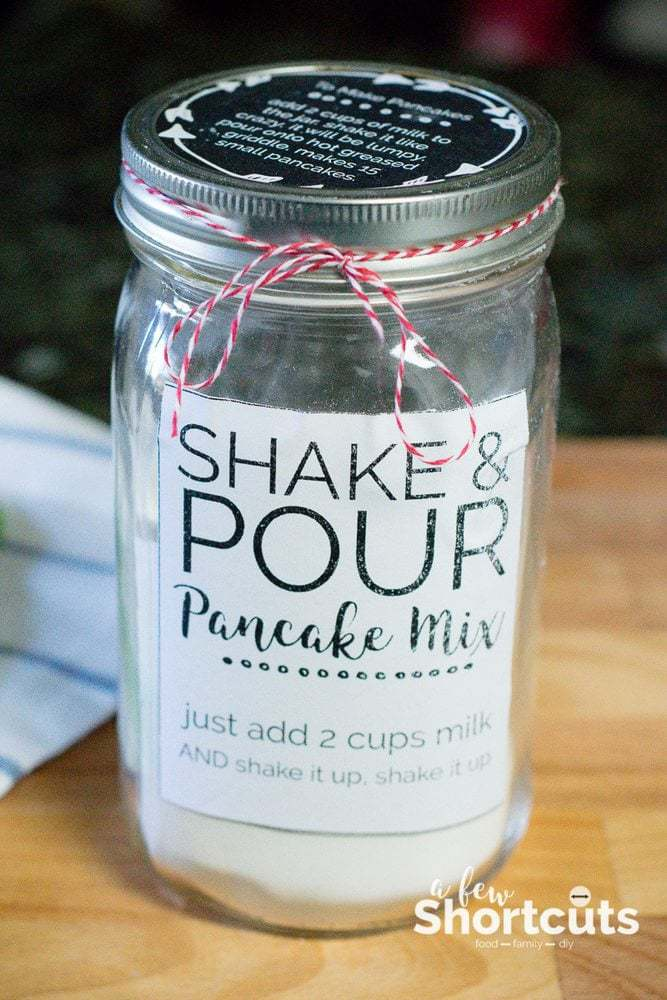 You can't beat this Homemade Shake and Pour Pancake Mix Recipe with free Printable Jar labels! Can be made gluten free & vegan too!