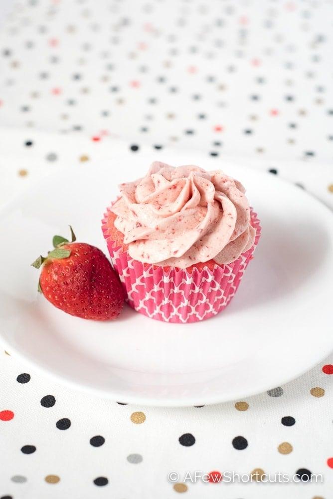Gluten Free Strawberry Cupcake with strawberry