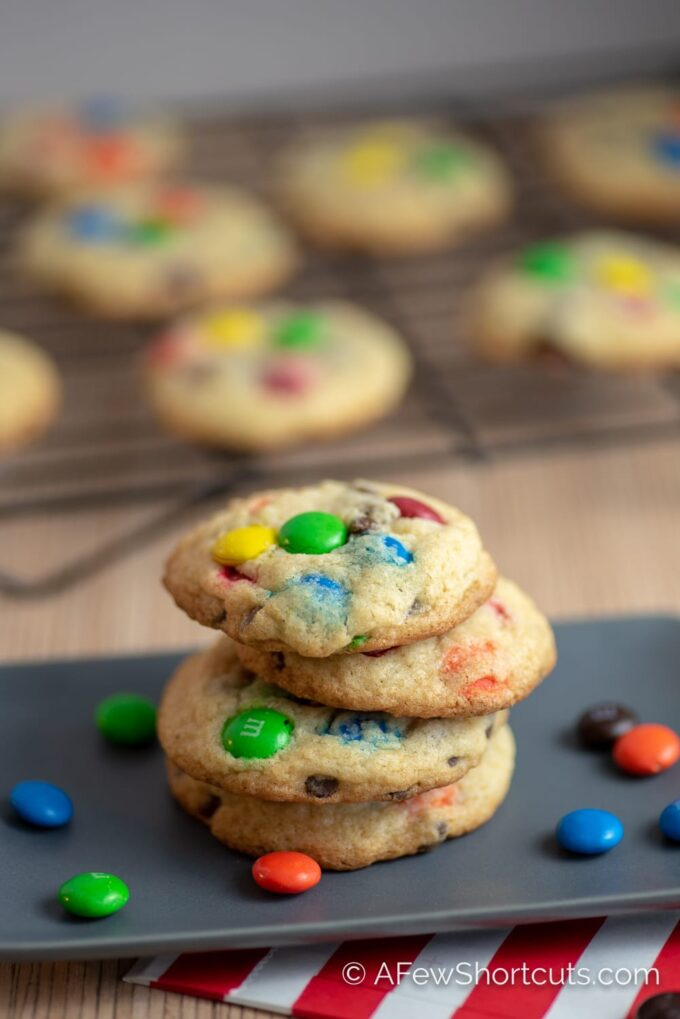 Craving a warm, chewy, chocolatey cookie! You need The Best Chocolate Chip M&M Cookies Recipe! | @AFewShortcuts #recipes #cookies #glutenfree #chocolate