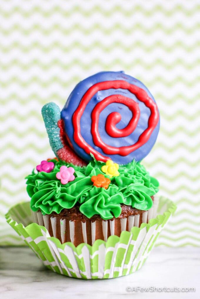 Snail cupcake