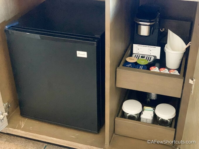 Royal Pacific mini fridge