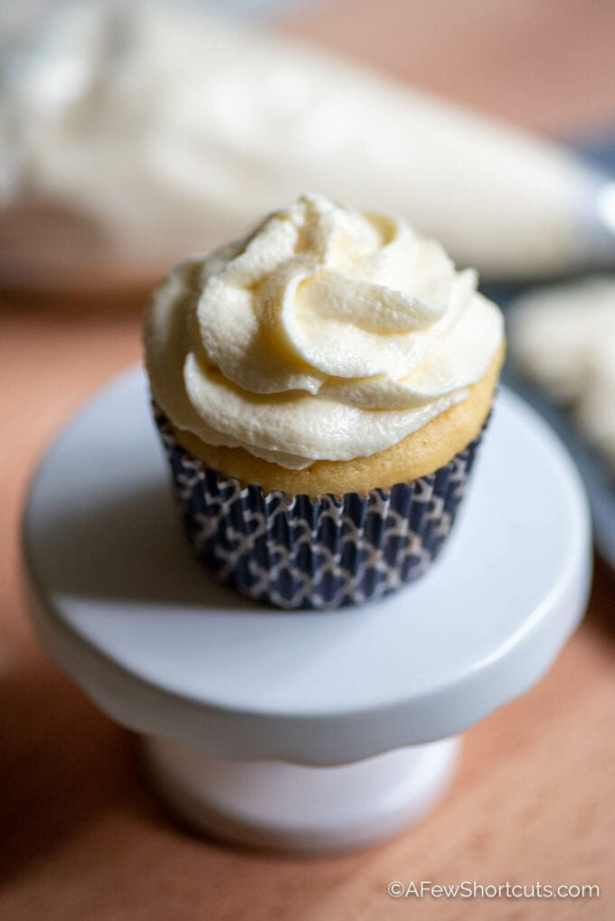 Cupcake with Marshmallow Fluff Frosting
